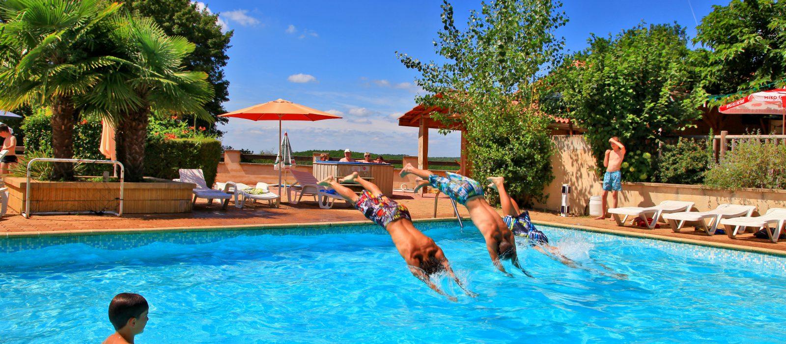 piscine camping au p'tit Bonheur Dordogne