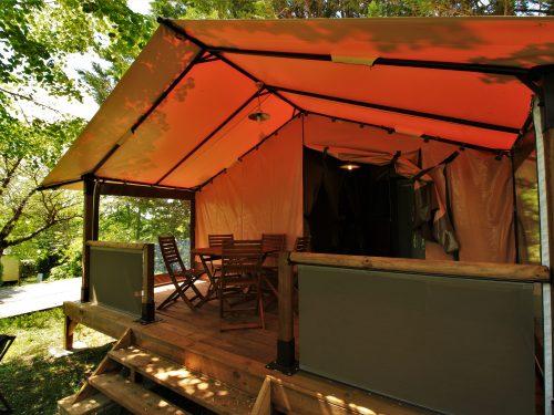 terrasse tente Victoria camping au P'tit Bonheur