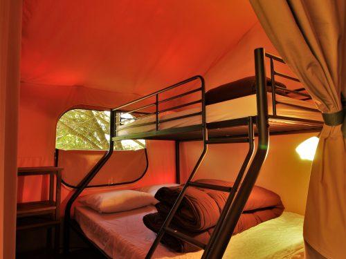 Chambre 3 personnes tente Victoria camping au p'tit Bonheur