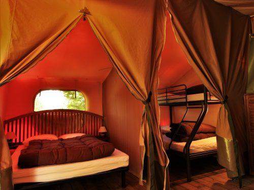 chambre double tente victoria camping Au p'tit Bonheur