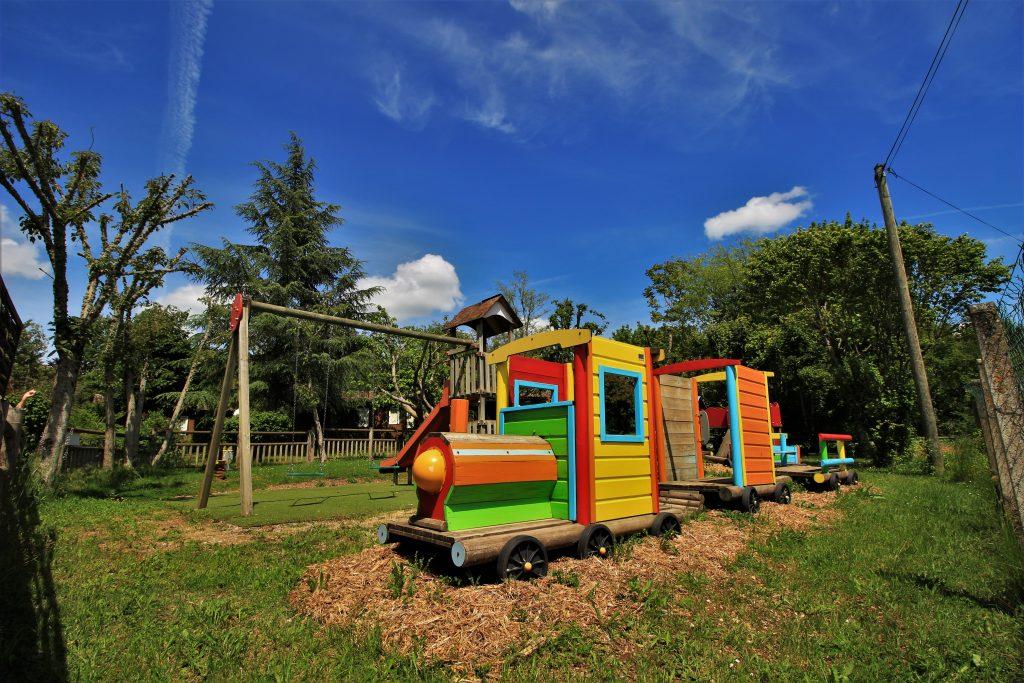 aire de jeux enfants - camping Au p'tit Bonheur