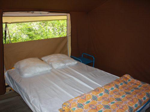 tente cabanon à louer pour 5 personnes en Dordogne camping Au P'tit Bonheur