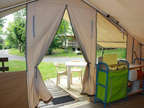 location tentes meublée camping Au p'tit Bonheur
