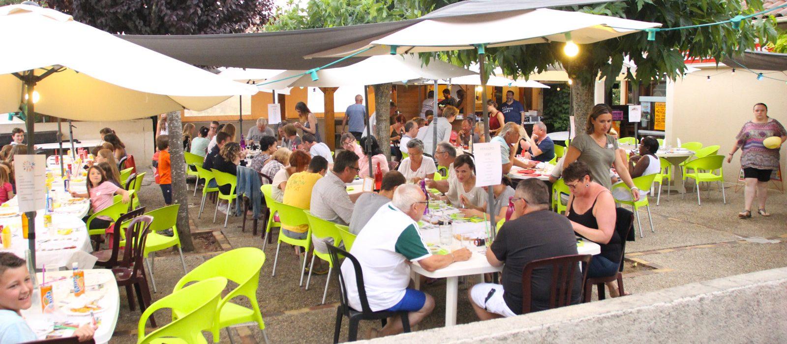 terrasse du restaurant camping au P'tit Bonheur
