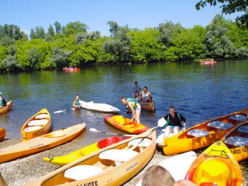 sorties canoë organisées 2 fois par semaine par le Camping Au p'tit Bonheur