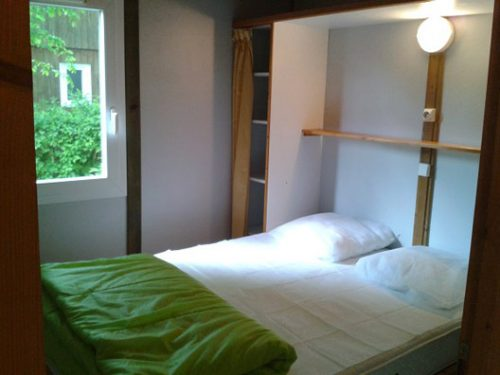 a louer en Dordogne, entre Sarlat et Rocamadour, chalets en bois pour 5 personnes