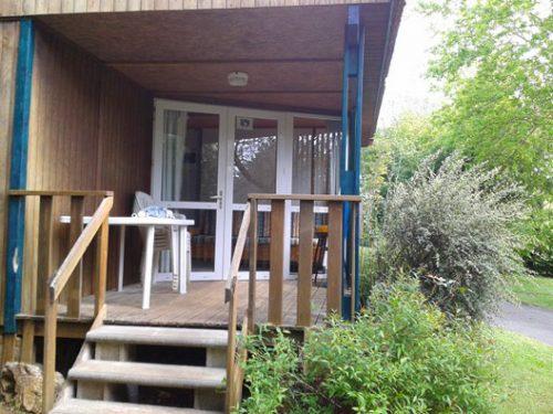 Location de chalets en bois pour 5 personnes, entre Sarlat et Rocamadour, au camping Au P'tit Bonheur