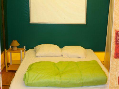 chambre tente aménagée camping Au p'tit Bonheur en Dordogne