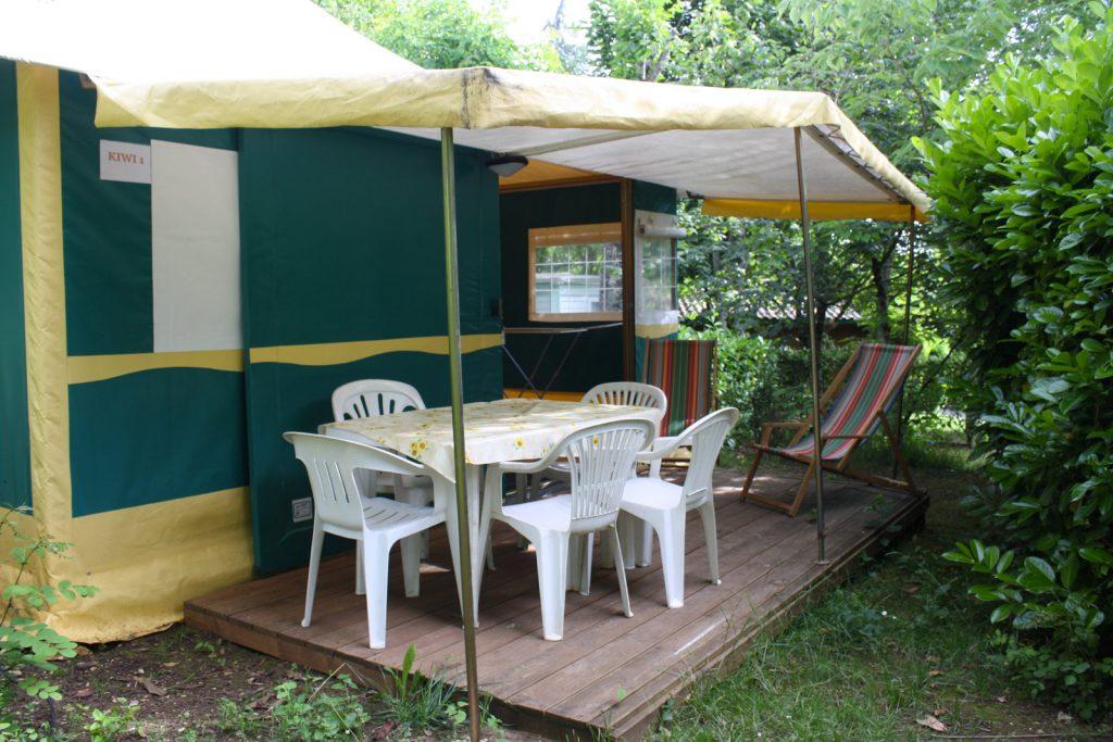 Location de tente aménagée en Dordogne au camping Au P'tit Bonheur