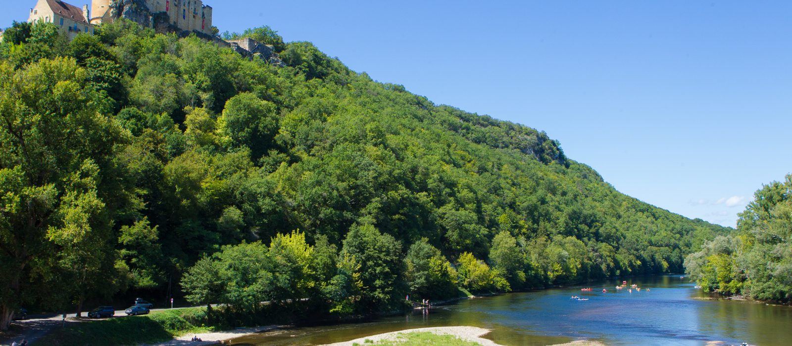 châteaux et rivière de la Dordogne