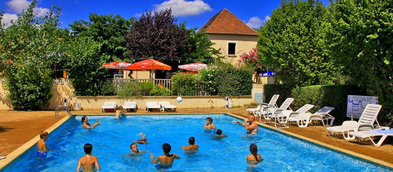 Camping swimming-pool Dordogne