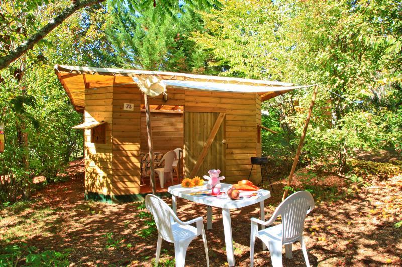 location insolite pour 4 personnes en Dordogne au camping Au P'tit Bonheur