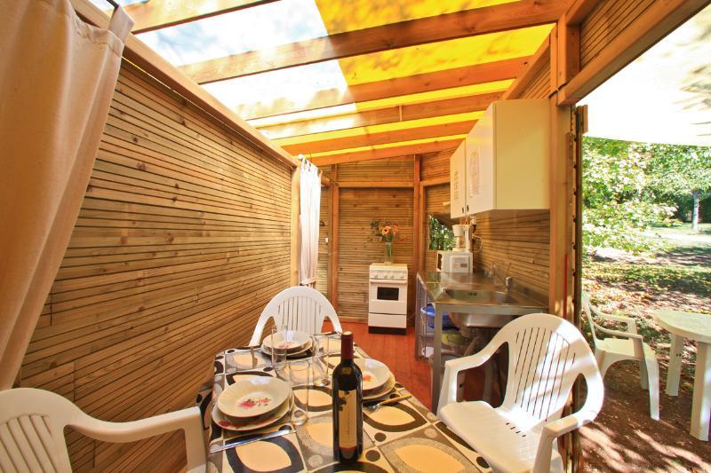 En Dordogne, location insolite pour 4 personnes au camping Au p'tit Bonheur