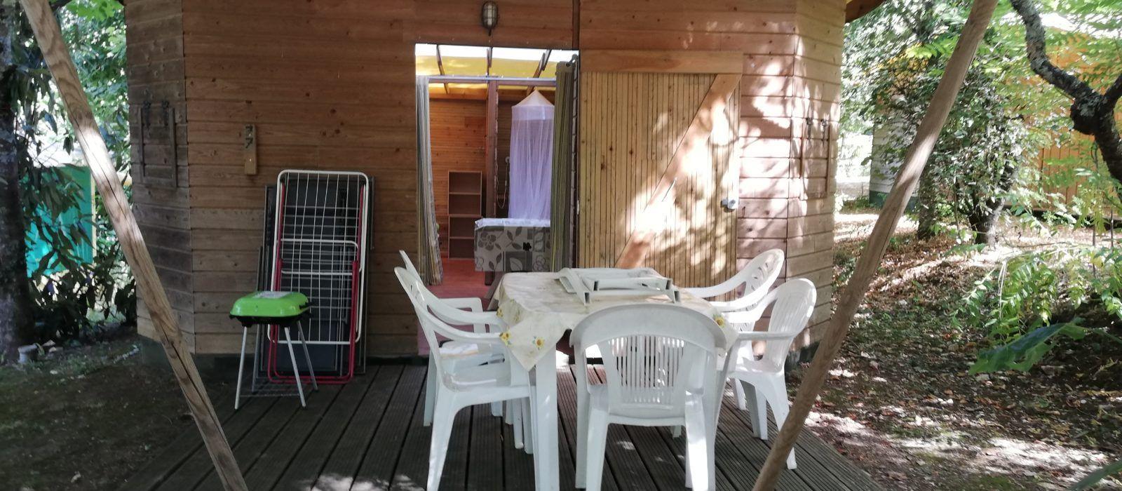La cabane pour 6 personnes au camping Au P'tit Bonheur