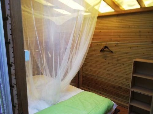 Ti Bonheur- cabane pour 6 personnes au Camping Au P'tit Bonheur